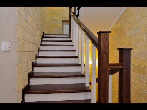 Отделка бетонных лестниц деревом в частном доме.