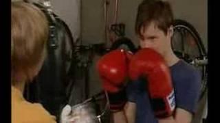 Salatut Elämät - Ami opettaa Nikoa nyrkkeilemään Remix
