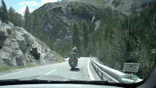 Chasing an Audi R8 with an E92 M3 in the alps
