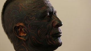 Tattooed candidate in gains ground in Czech presidential race