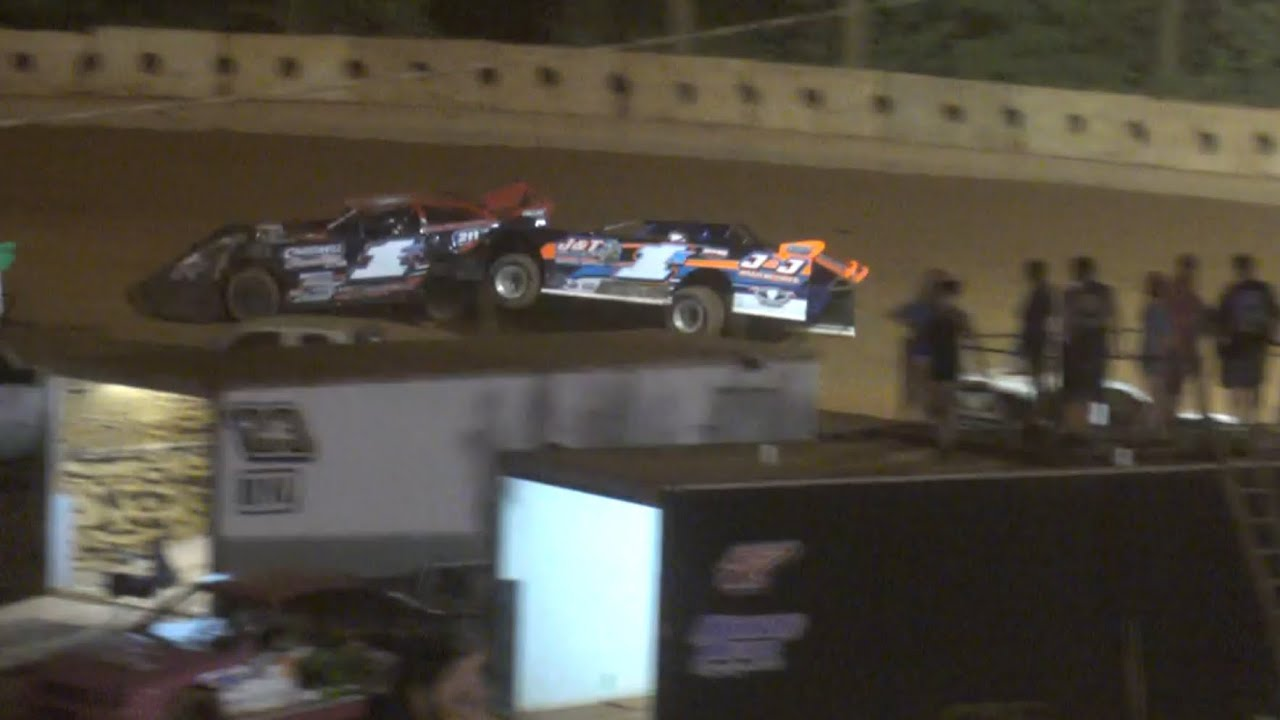 Tempers flare in Limited Late model feature at Winder Barrow Speedway July 11th 2020