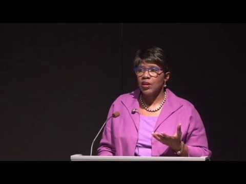 Gwen Ifill talks politics and media at Colorado College