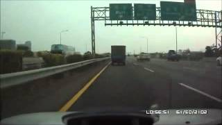 高速公路驚魂-驚聲尖叫震撼事故影片