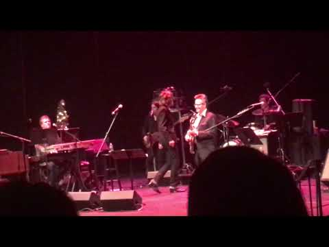 Piece Of My Heart / Hang On Sloopy - David Johansen Live @ The St. George Theatre 12/21/2018