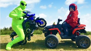 Инопланетяне забрали Квадрик  Распаковка нового Спорт байка для детей