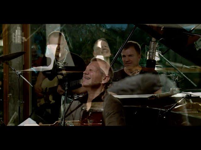 Stig Skovlind - Livet kysser os i bølger (LIVE)