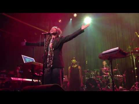 Erykah Badu - Love of my Life (Live @ Melkweg, Amsterdam) (09-07-2013)