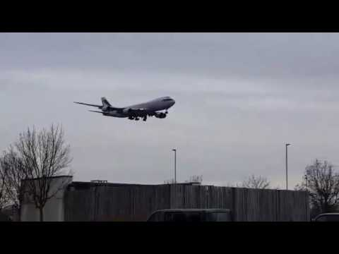 Cathay Pacific Boeing 747 cargo landing into London Heathrow
