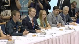 Владимир Путин на встрече со студентами Северного (Арктического) федерального университета и...