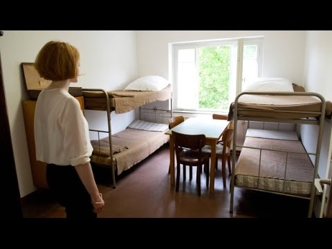 Asyl in deutschen Wohnzimmern - Flüchtlinge [Doku 2015]