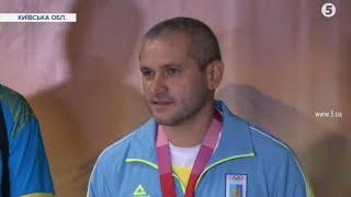 Бронзовий призер Олег Омельчук повернувся з Олімпіади. Як його зустрічали в Україні