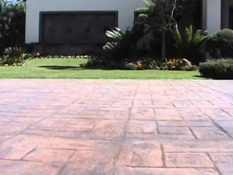 Piso estampado de concreto 2015 1 07 youtube for Pisos para patios