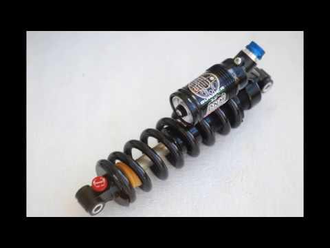 Install the Schroeder valve into the shock DNM RCP3 (Врезаем Шредер в DNM RCP3)