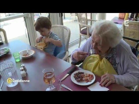 Une cr che dans une maison de retraite une belle - Acheter une chambre dans une maison de retraite ...
