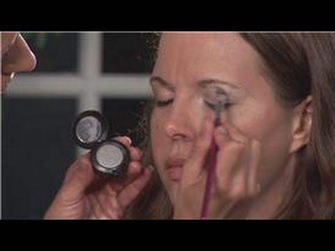 Eyeshadow Application : How to Apply Smoky Eye Sha...