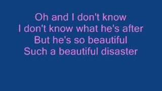 Kelly Clarkson: Beautiful Disaster (lyrics)