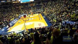 Bütün salon ayağa davet edilip Obradovic tezahüratı ve İzmir Marşı ile maç tamamlanır