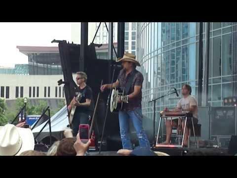 """Jason Aldean, """"Night Train"""" Soundcheck, CMA Fest 2013"""