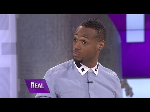 Marlon Wayans Plays 'I Can Do That'