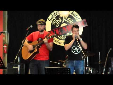 """Paul Kelly Tribute day - 2013/10/20 - Jayd and John - """"They Thought I Was Asleep""""."""