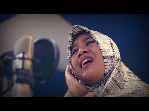 Derita | cover by Novia Ubaidillah ( Fairuz Music )