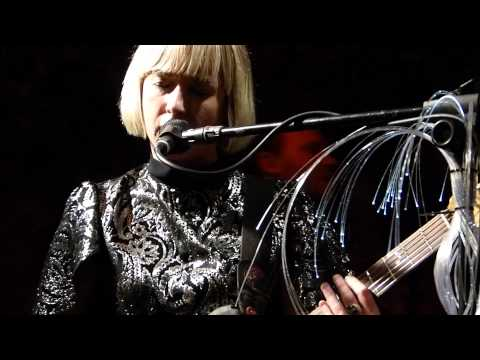 The Joy Formidable - This Ladder is Ours (new) live Hendre Hall Bangor 25-10-12