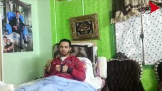 فيديو وصور| شاب مريض يستغيث بالرئيس: «هفقد الحركة لو ماسفرتش للخارج»
