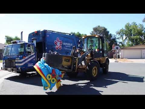 Garbage Trucks of 2017