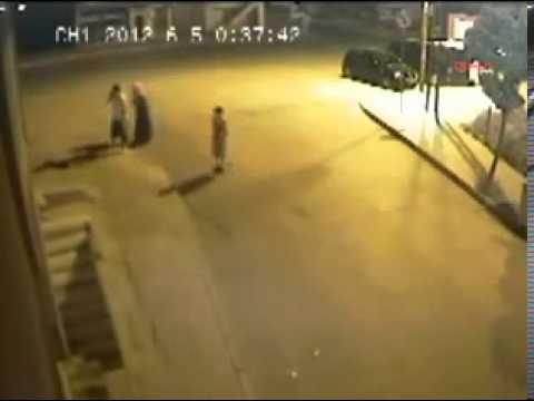Nữ sinh đẻ con giữa đường rồi bỏ rơi  8910x com