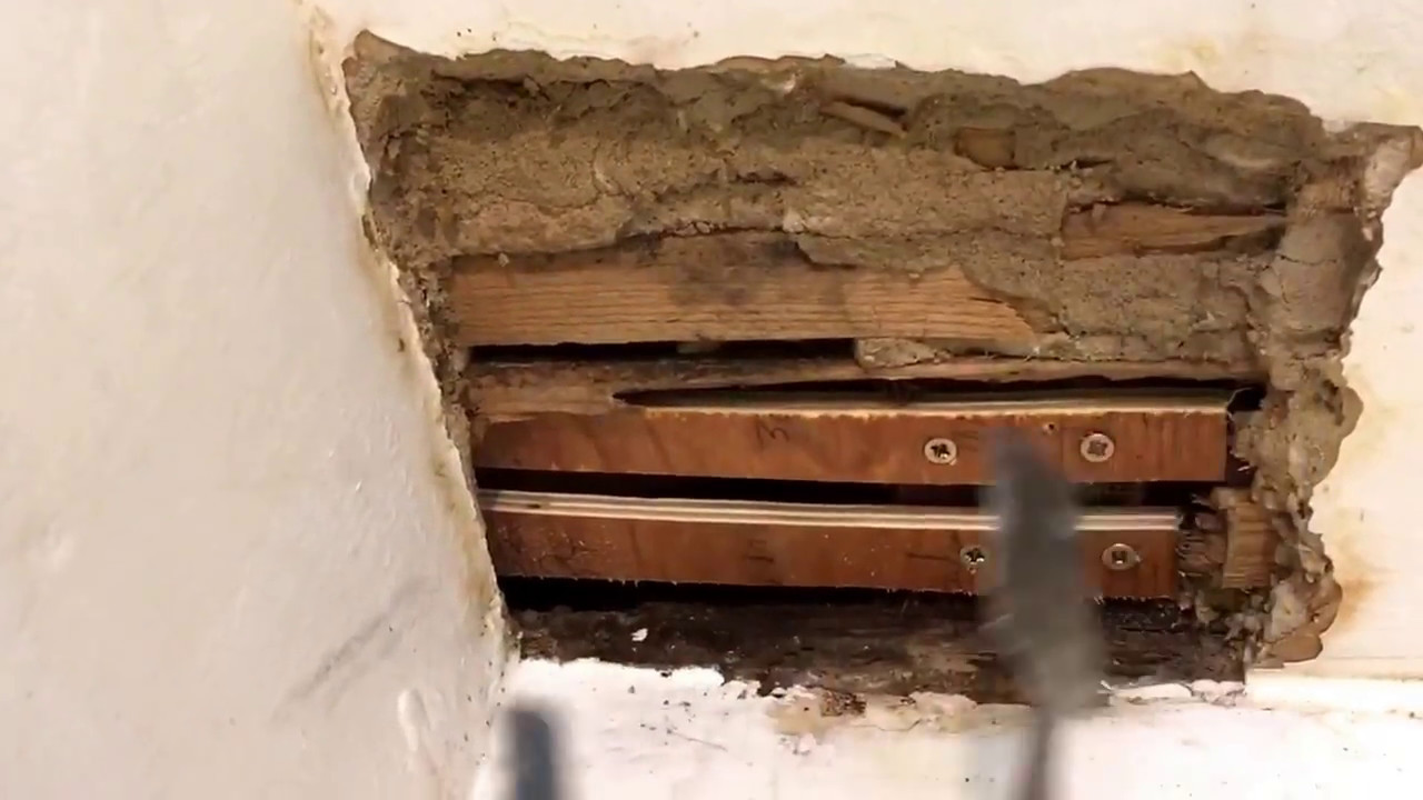 How to patch horsehair plaster walls