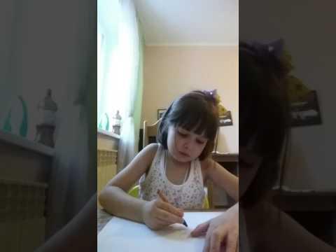 Ребенок блогер)))