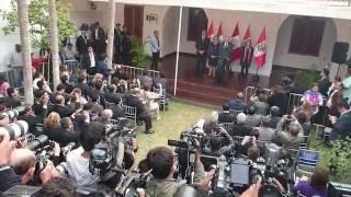 【ペルー大統領選】フジモリ氏敗れる 元首相クチンスキ氏が勝利宣言 支持者らの熱烈な歓迎を受ける