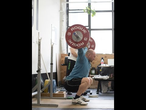 A TRICK TO LIFT HEAVIER IN THE SNATCH | JUST A MOMENT WITH THE COACH