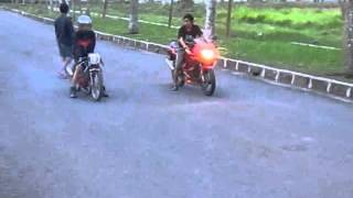 Repeat youtube video Ninja 150 RR VS Suzuki Satria 125 cc BY CCMS