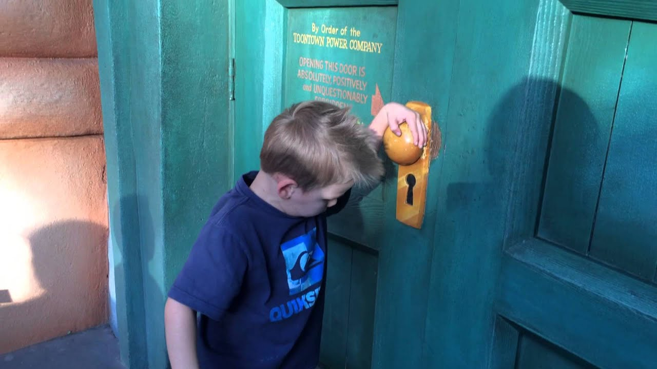 Caution DO NOT open this door! Toon Town Pretend Electric Door at Disneyland - YouTube & Caution: DO NOT open this door! Toon Town Pretend Electric Door at ...