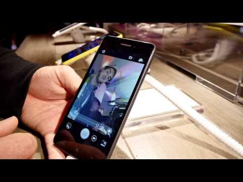 Lenovo S60 Smartphone Hands On [4K]