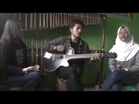 Burgerkill - Tiga Titik Hitam (Acoustic Cover By Angelika, Putrapmgks, Iva)