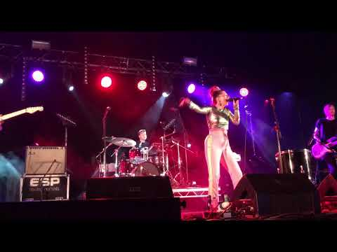 """Be Charlotte - """"Machines That Breathe"""" Live at Tiree Music Festival 2018"""