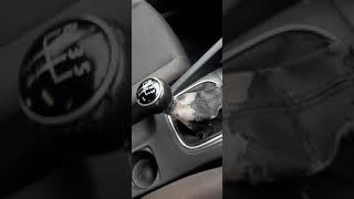 Watch Full Detailed Video on VW Golf 5 1.6 2005