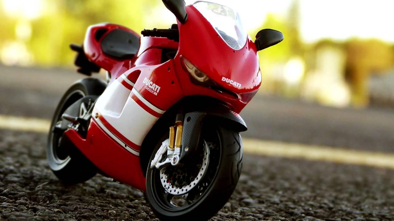 Ducati Desmosedici Rr 1 18 Solido Youtube