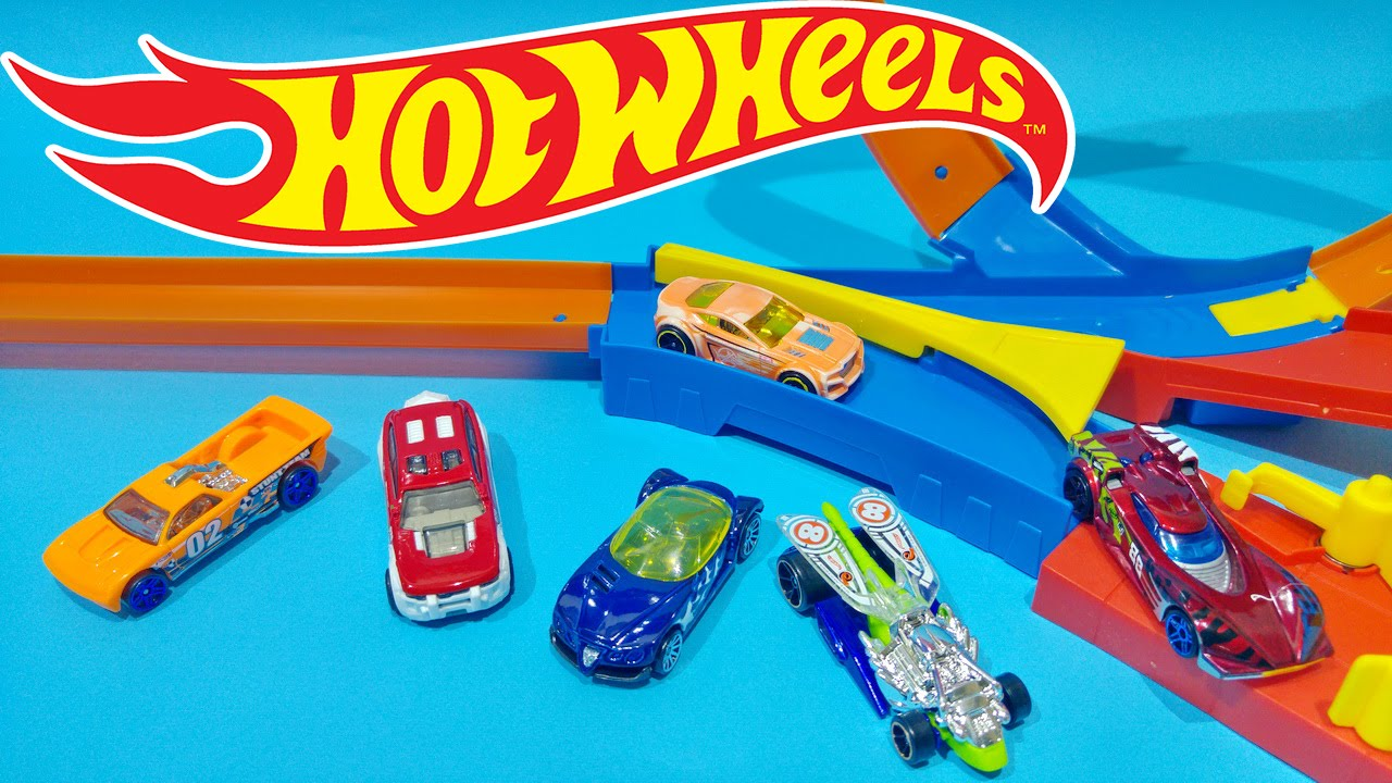8050374a4477f Hot Wheels City Loop And Drift Track Playset With New Hot Wheels Cars. Toys  For Kids Worldwide
