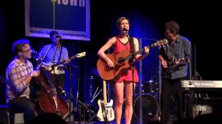 "Missy Higgins / Ben Sollee / eTones - ""Long Ride Home"" (eTown webisode #293)"