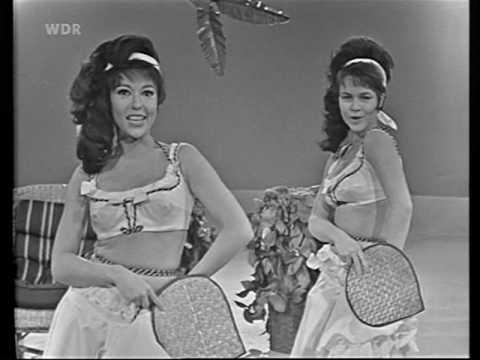Conny & Rita Moreno ''Bananatree''