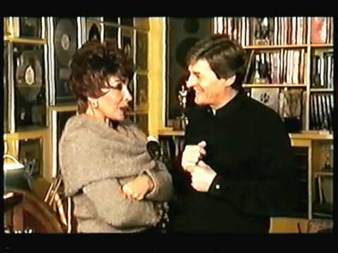 Shirley Bassey - (Interview) Shirley at her Home In Monte Carlo (1999 Live)