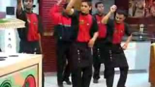 Pizza Hut dancers