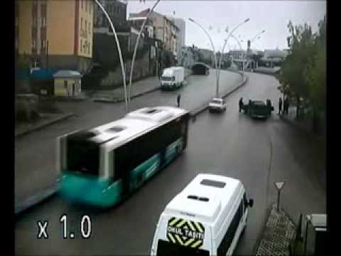 Erzurum'da Mobese Kameraları Tarafından Kaydedilen Feci Trafik Kazaları