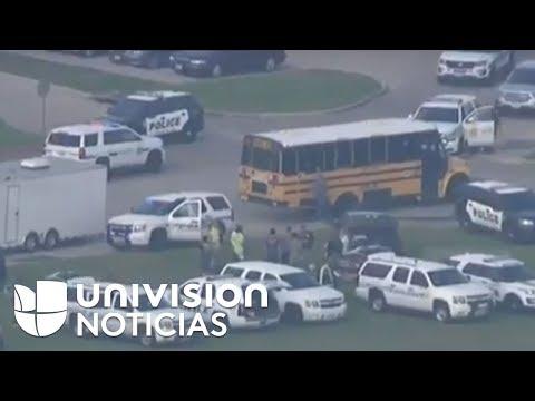 Policía responde a tiroteo en la escuela Santa Fe High School en el sur de Houston, Texas.