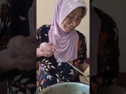 Nasi kikil ter enak sedunia.warung mak sri jombang.makan pagi