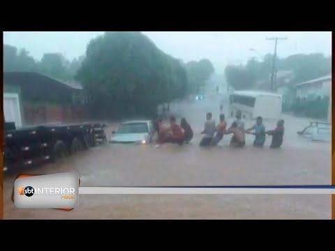 Chuva causa destruição em Valparaíso