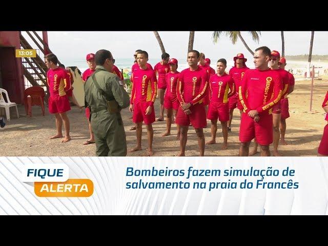Carnaval: Bombeiros fazem simulação de salvamento na praia do Francês